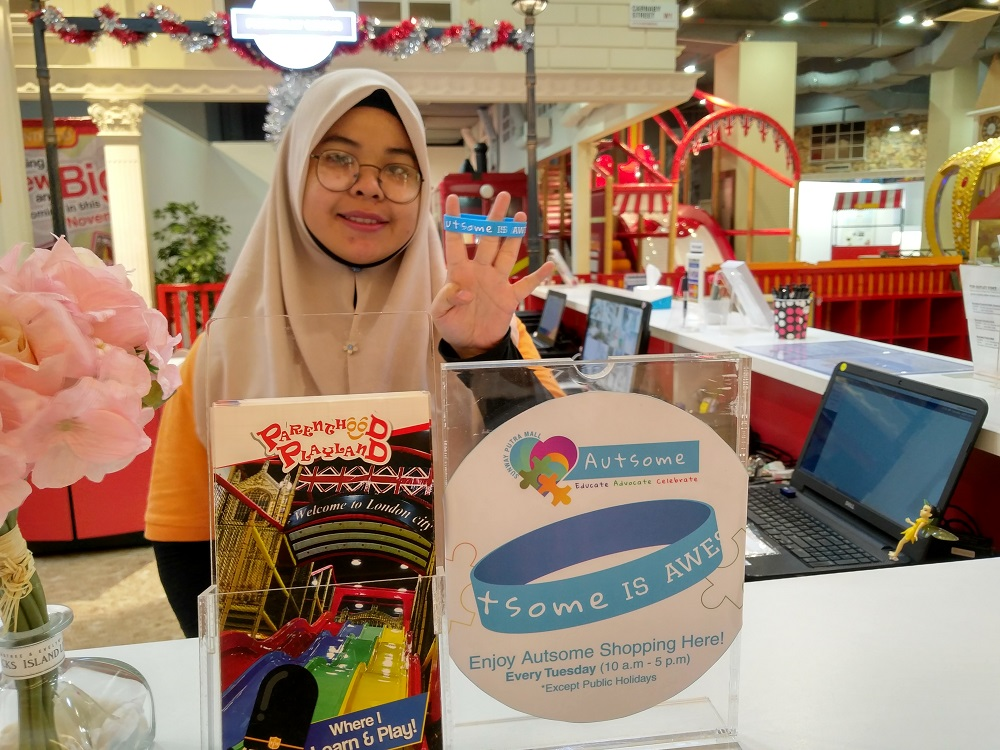 Free entry into Parenthood Playland Sunway Putra Mall on Tuesdays by flashing Autsome band